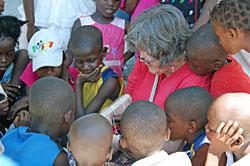 Linda teaching art to the children